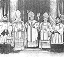 Nella foto, il ritratto ufficiale di mons. Carmel Henry Carfora, co-fondatore della Chiesa Vetero Cattolica Romana del Nord America, con il suo Sinodo di Vescovi.