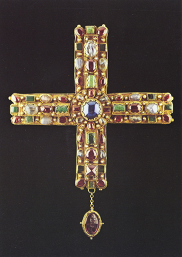 Croce reliquiario di re Berengario I, detta Croce del Regno (fine IX – inizio X secolo d.C., Museo e Tesoro del Duomo di Monza)